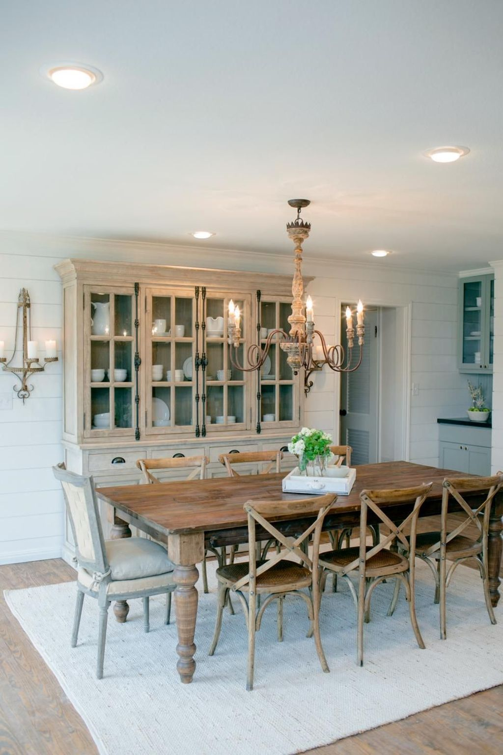 Inspiring Dining Room Buffet Decor Ideas 03