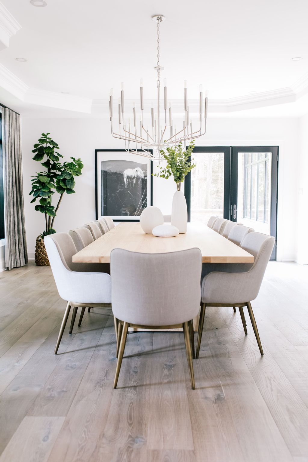 Stunning Dining Room Table Design With Modern Style 21