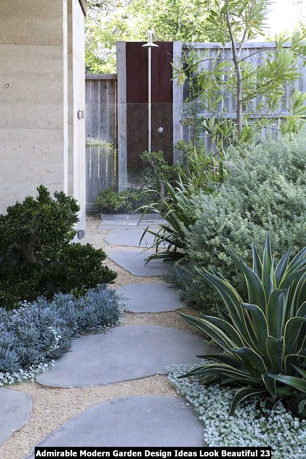 Admirable Modern Garden Design Ideas Look Beautiful 23