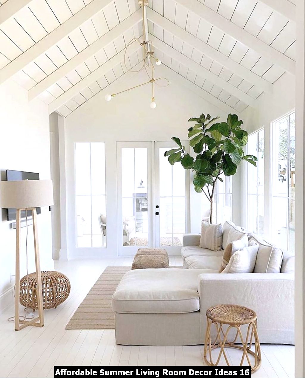 Affordable Summer Living Room Decor Ideas 16