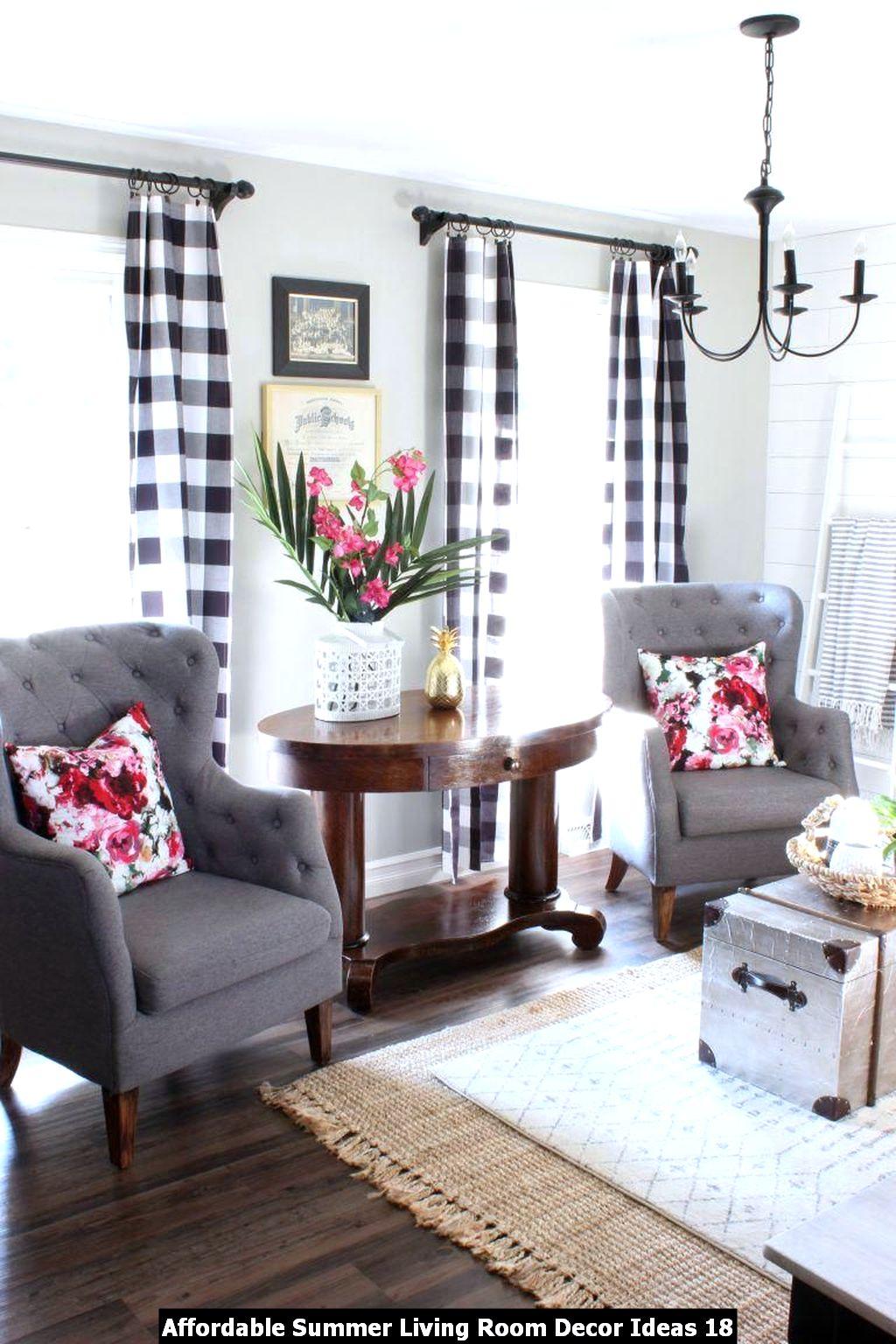 Affordable Summer Living Room Decor Ideas 18