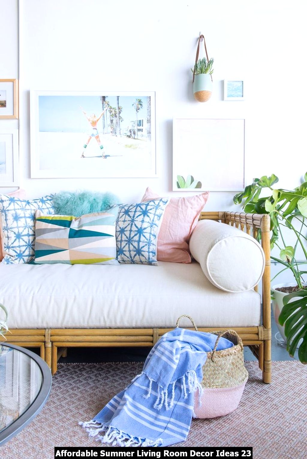 Affordable Summer Living Room Decor Ideas 23