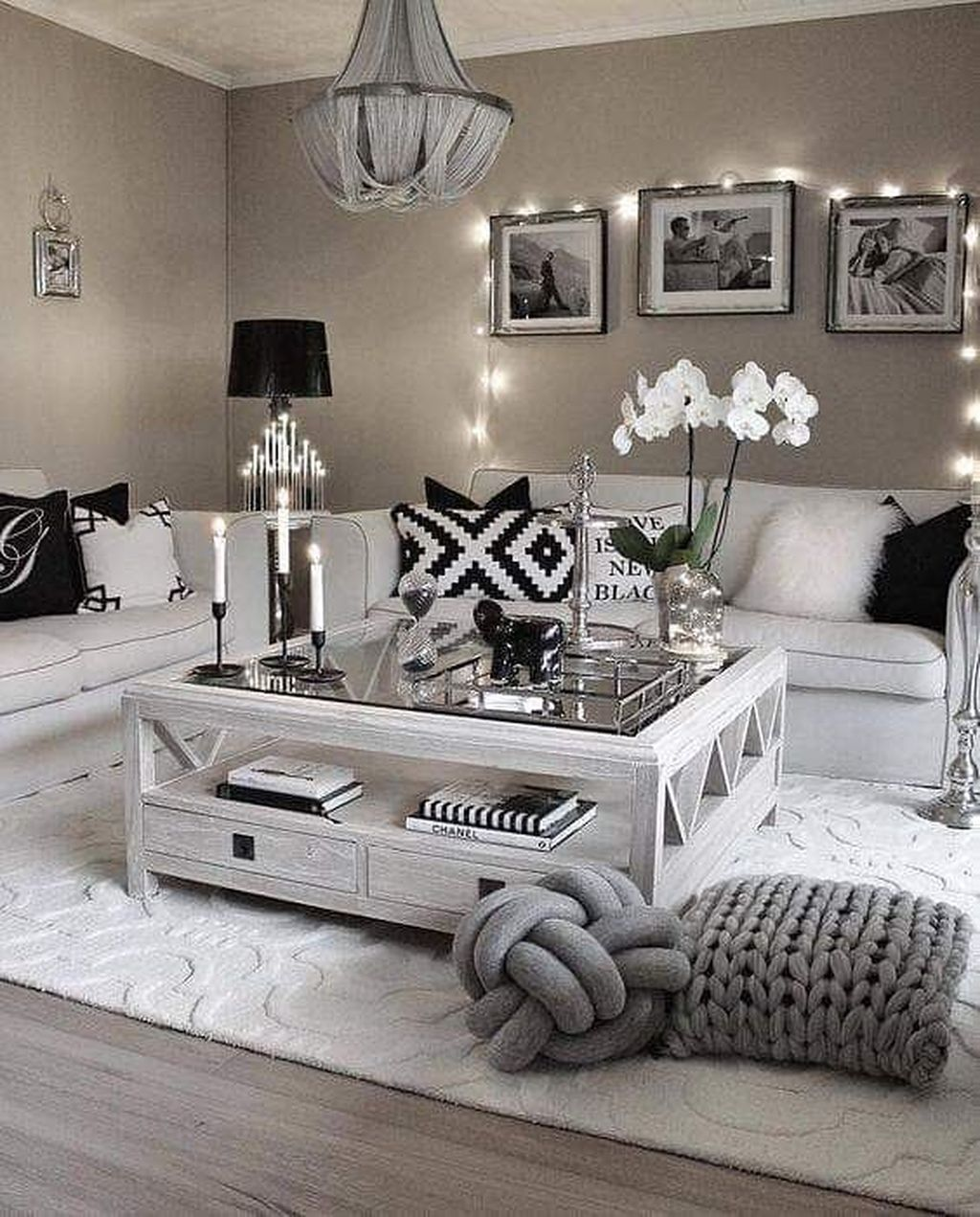 Beautiful Living Room Coffee Table Decor Ideas 28