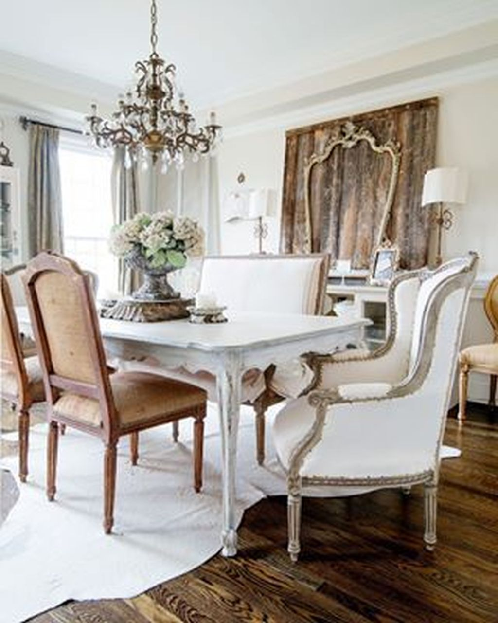Brilliant French Dining Room Decor Ideas 18