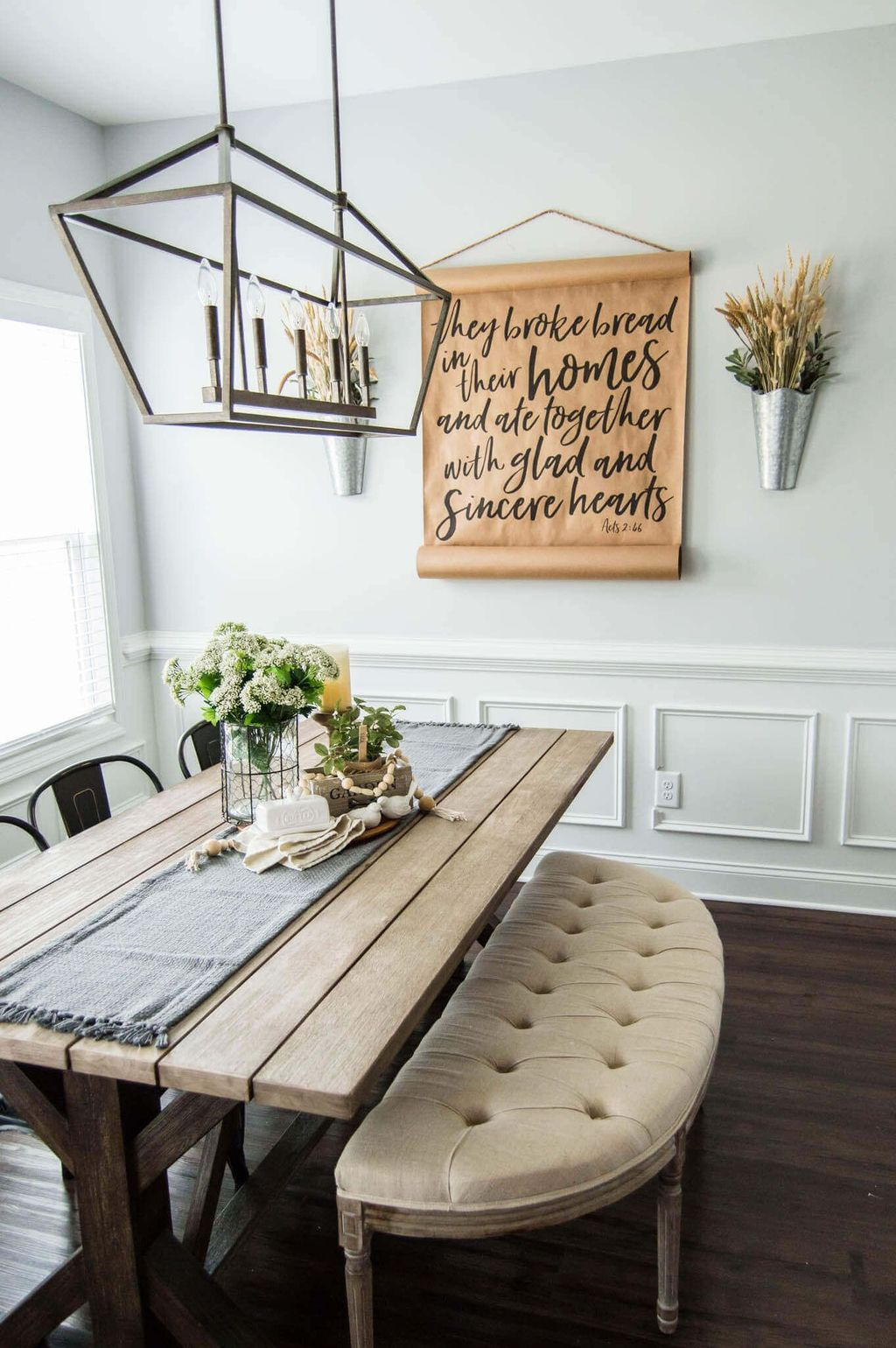 Fascinating Spring Farmhouse Decor Ideas You Should Copy 28