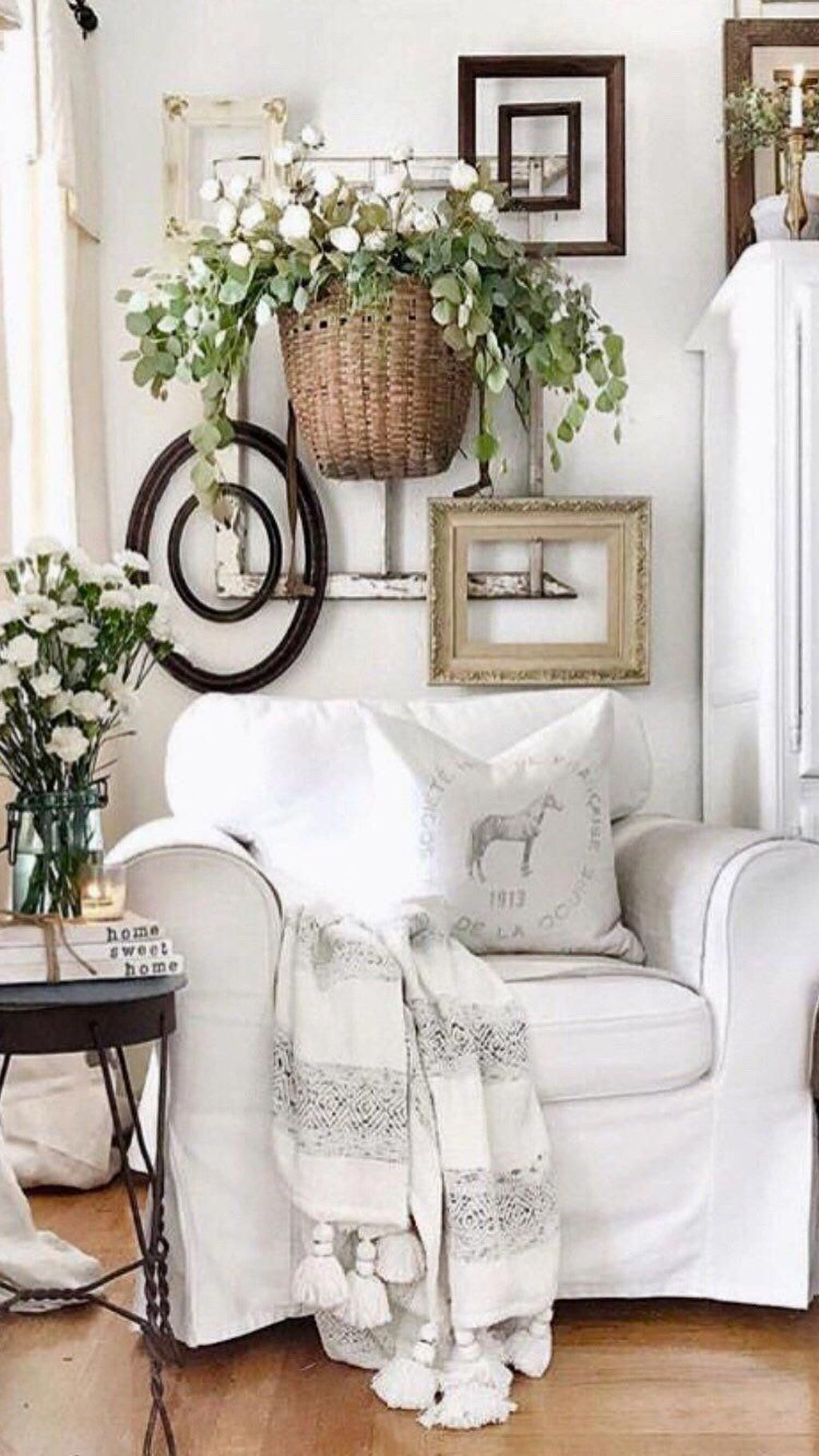 Fascinating Spring Farmhouse Decor Ideas You Should Copy 30