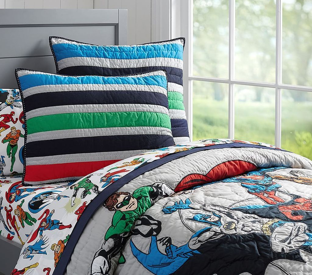 Fascinating Superhero Theme Bedroom Decor Ideas 05