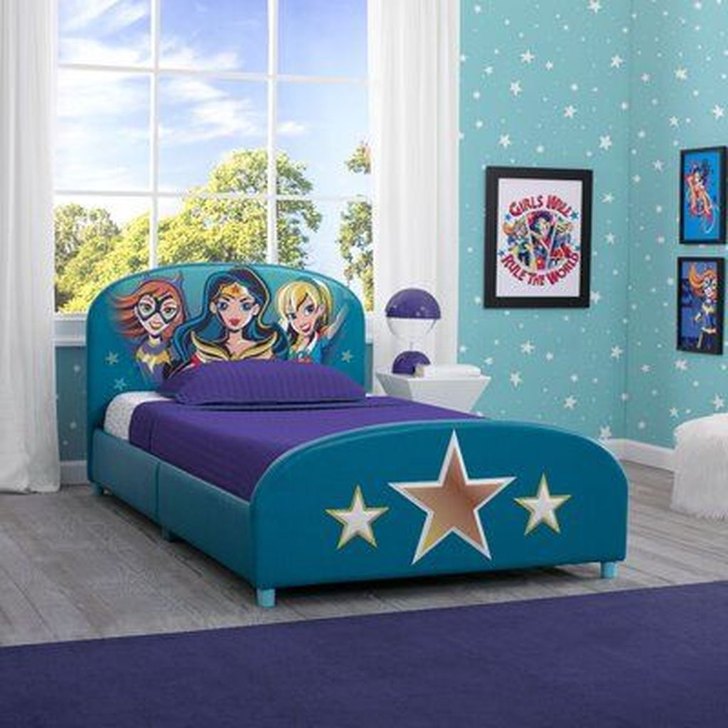 Fascinating Superhero Theme Bedroom Decor Ideas 13