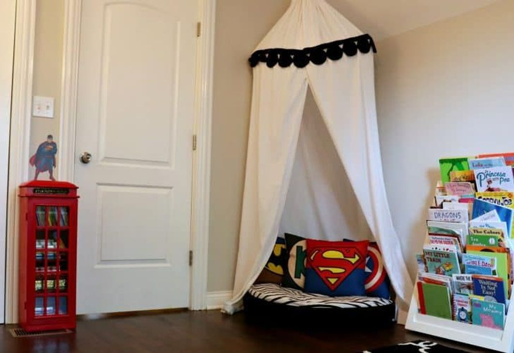 Fascinating Superhero Theme Bedroom Decor Ideas 31