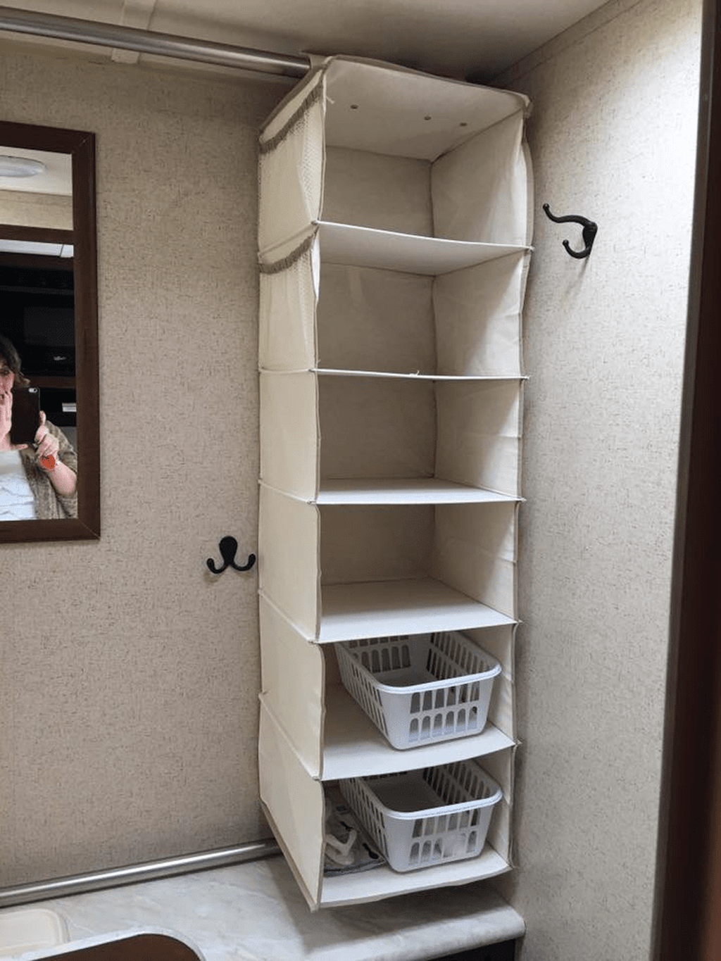 Gorgeous RV Camper Storage Ideas For Spring And Summer Holiday 20