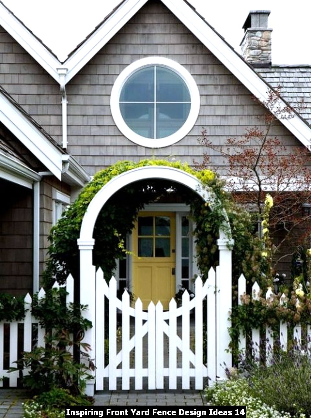 Inspiring Front Yard Fence Design Ideas 14