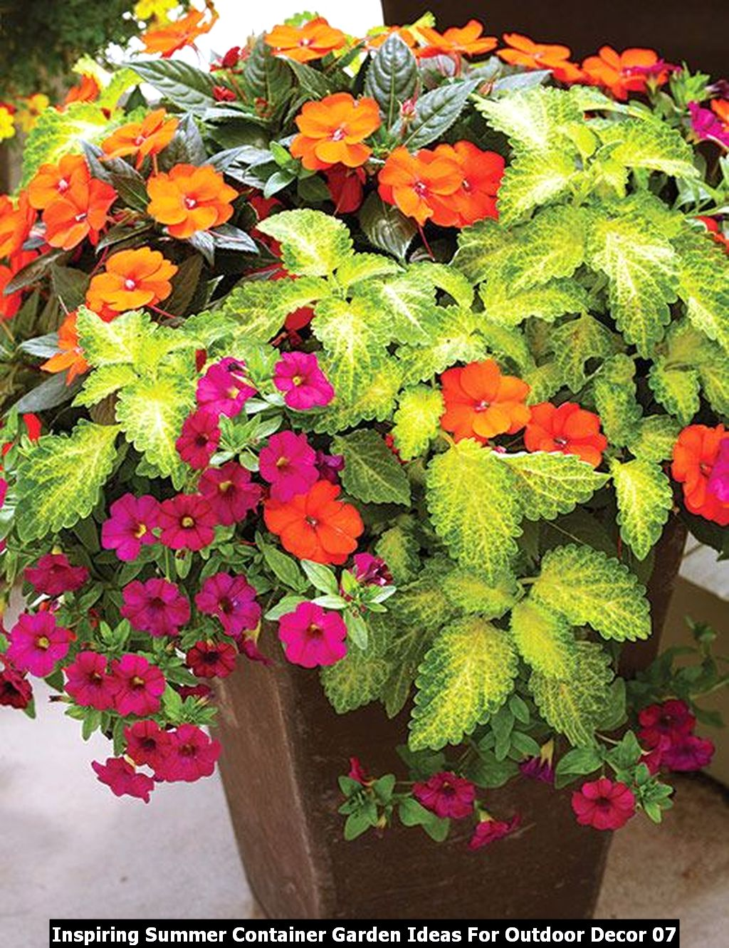 Inspiring Summer Container Garden Ideas For Outdoor Decor 07