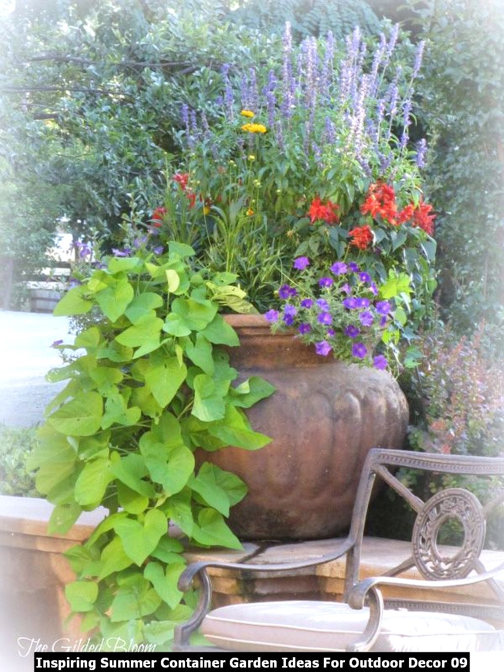 Inspiring Summer Container Garden Ideas For Outdoor Decor 09