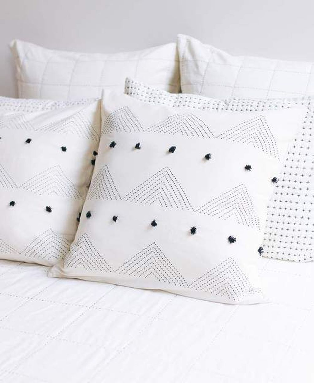 Lovely Cute Pillows Designs Ideas 27