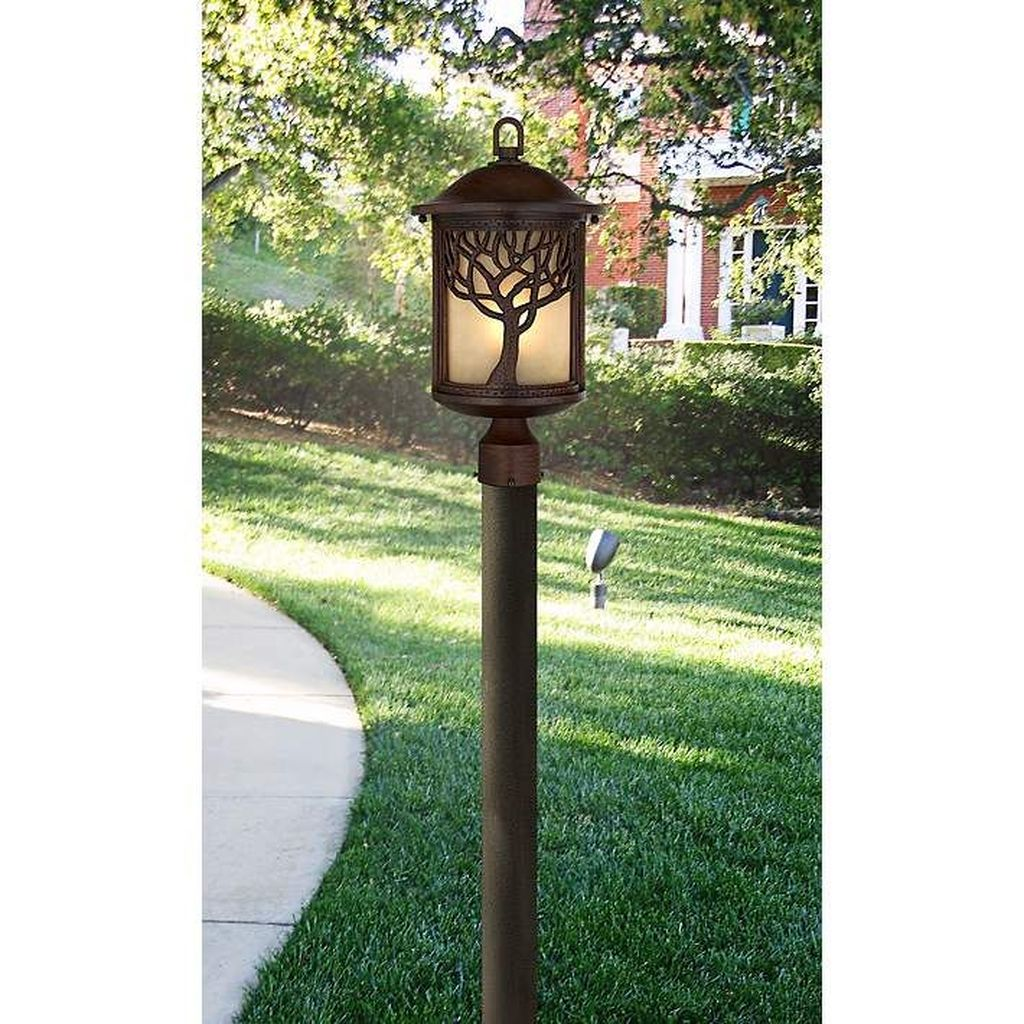 Stunning Outdoor Lamp Posts For Front Yards Decor 11