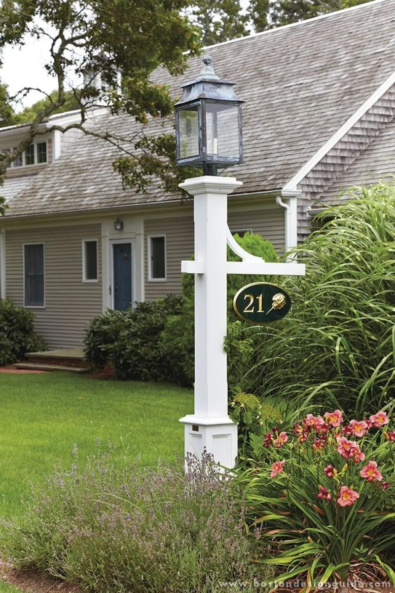 Stunning Outdoor Lamp Posts For Front Yards Decor 20