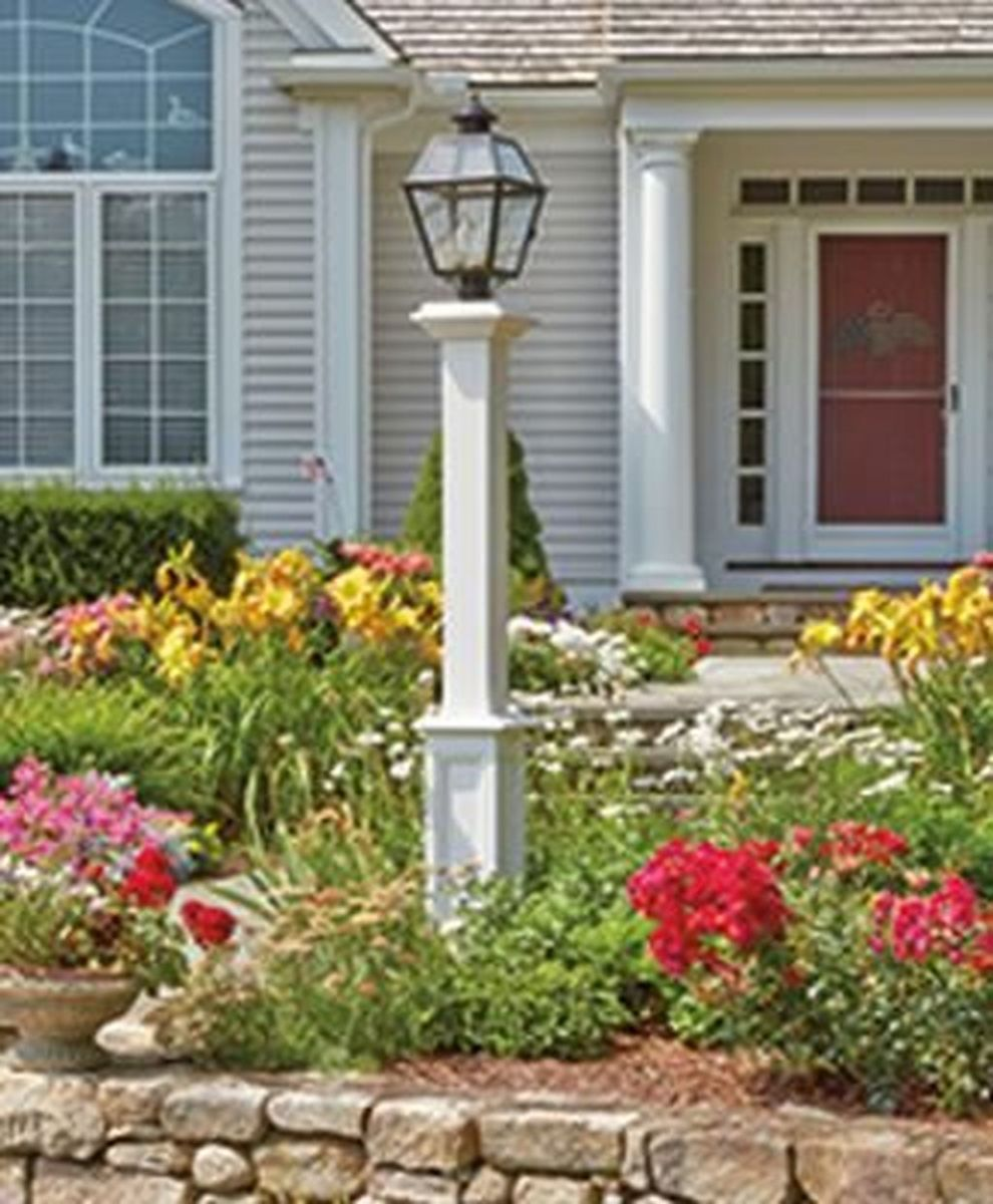 Stunning Outdoor Lamp Posts For Front Yards Decor 24