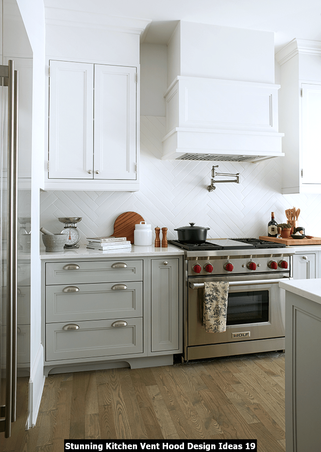Stunning Kitchen Vent Hood Design Ideas 19