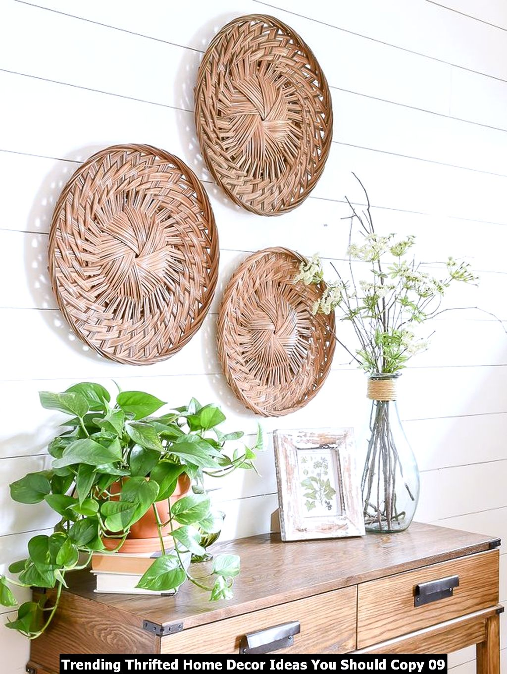Trending Thrifted Home Decor Ideas You Should Copy 09