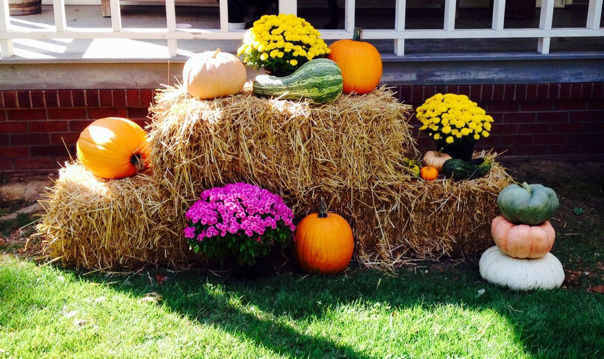 Hay Decorations For Fall