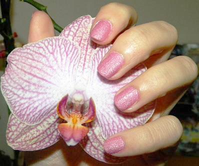 Nail art expérimental : Une manucure Velvet sans Ciaté ? (3/3)