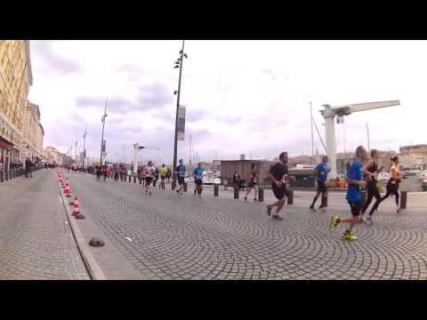 Un lego cours le marathon marseilleIn – YouTube