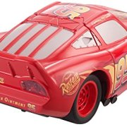 Cars-DYW39-Vhicule-Twisted-Crashers-Mcqueen-0-1