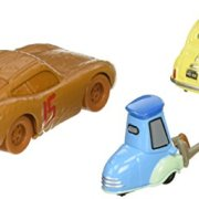 Mattel--Cars-3--Flash-McQueen-en-Chester-Whipplefilter-Luigi-Guido--1-Pack-de-2-Vhicules-Miniatures-Die-Cast-0-0