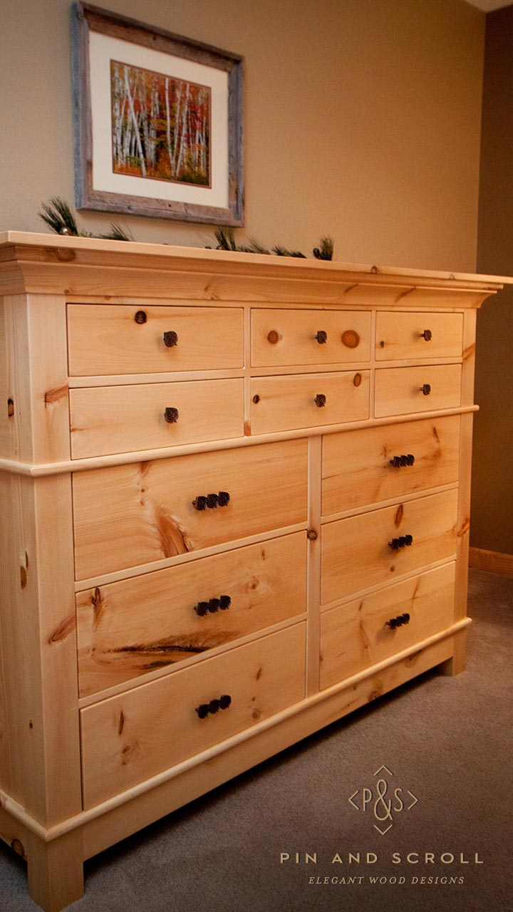 Rustic Pine Bedroom Set Large Knotty Pine Dresser 02  pinandscrollcom