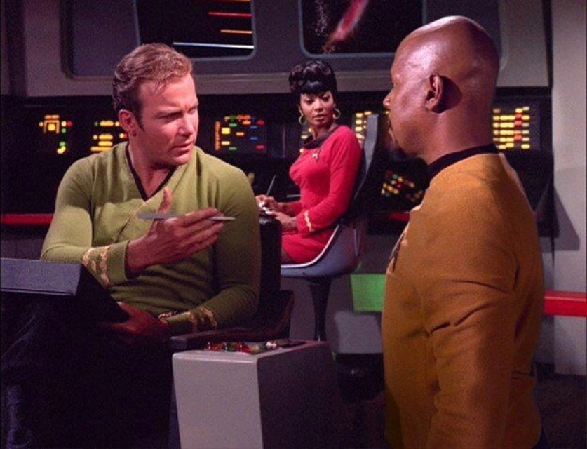 Tribbles 27 Sisko asks for autograph and you are A blog for the love of Pinterest
