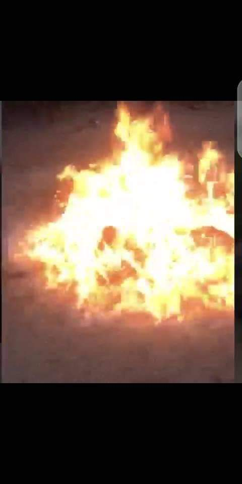 Two Suspected Armed Robbers Burnt Alive By Angry Mob - See Photos. 15