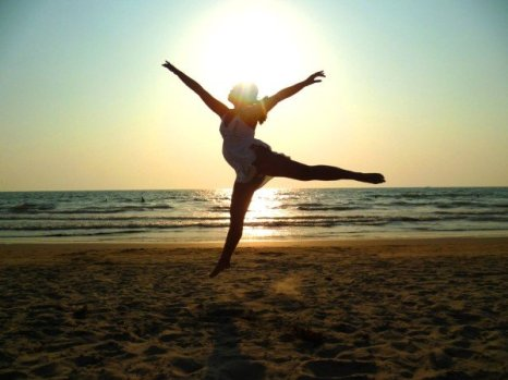 this is a dramatic jump i believe, with the sun's rays trying to outshine me. :p