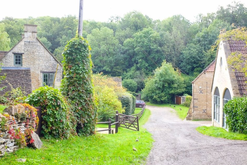 Path on the way to Castle Combe from Fosse Farmhouse