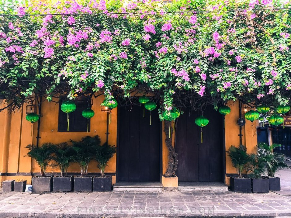 storefront in hoi an, vietnam
