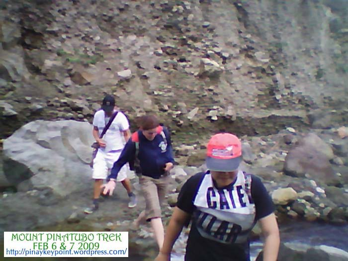 14pinatubo-trek-2-6-2009