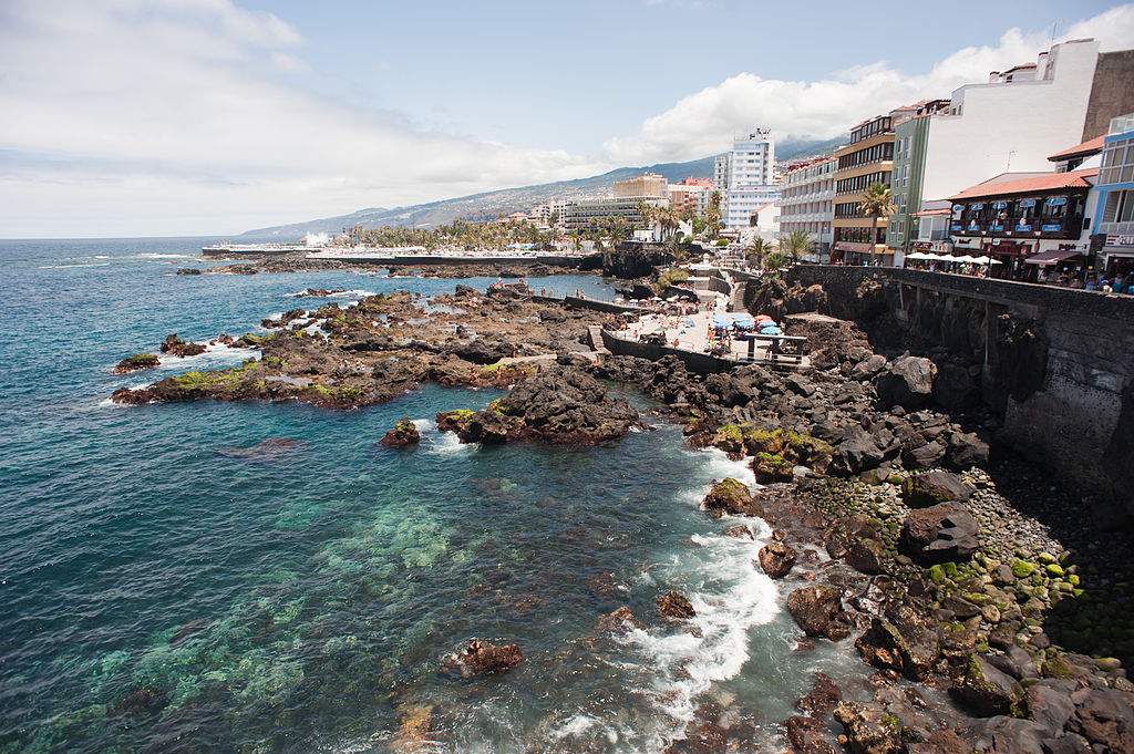 View_of_Puerto_de_la_Cruz_coast._Tenerife,_Canary_Islands,_Spain,_Southwestern_Europe-2