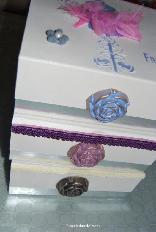 Cajas de cartón plateadas (11)