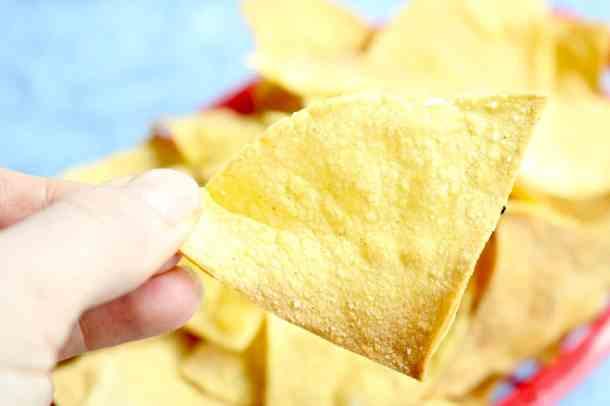 Crispy baked tortilla chip