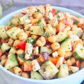 Mediterranean Roasted Chickpea Salad