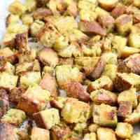 How To Make Homemade Croutons - Easy Recipe
