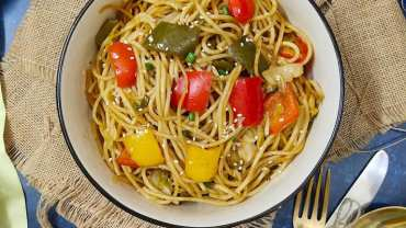 Vegan Chilly Garlic Noodle