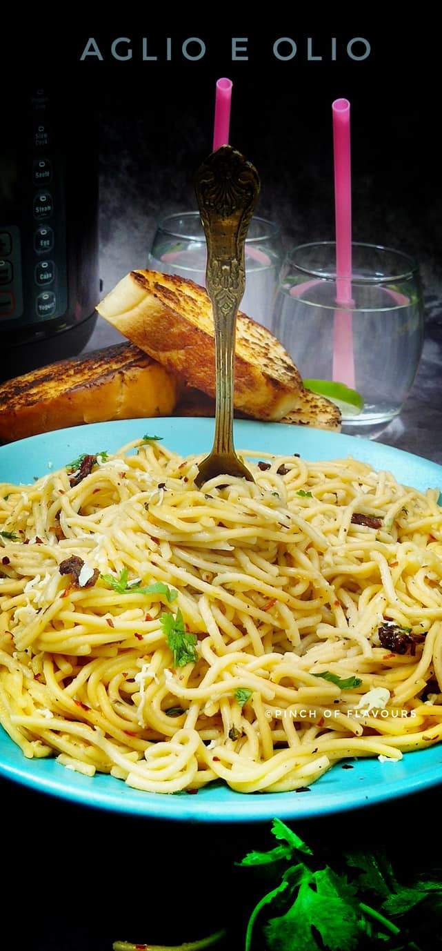 Spaghetti Aglio e Olio with Sun-Dried Tomatoes
