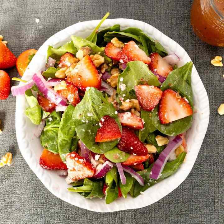 Strawberry Spinach Walnut Salad