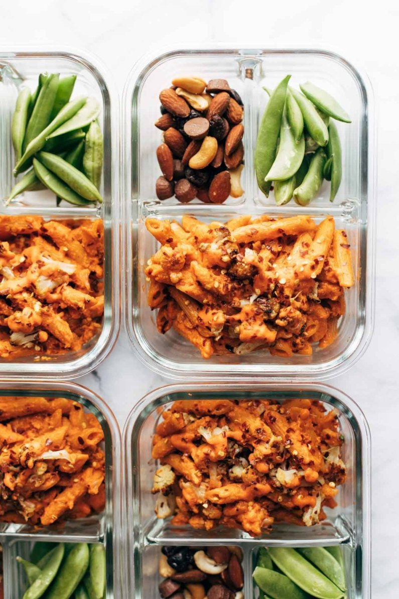 Red pepper cashew pasta meal prep bowls
