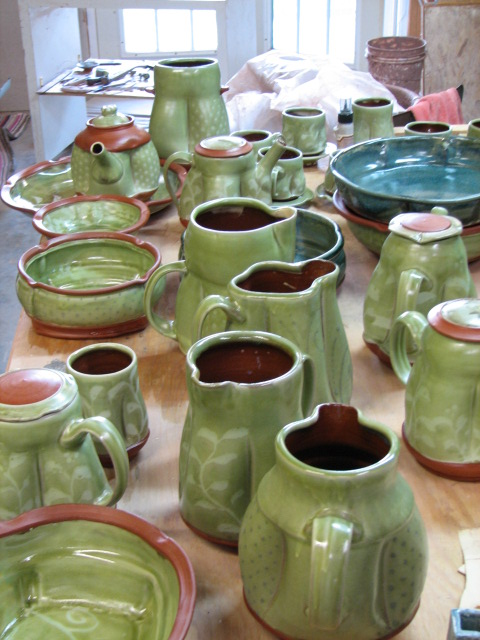 Table of pots