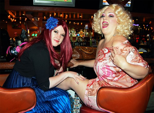 Holli-Mae & Dirty Martini laugh it up at BHoF 2011.