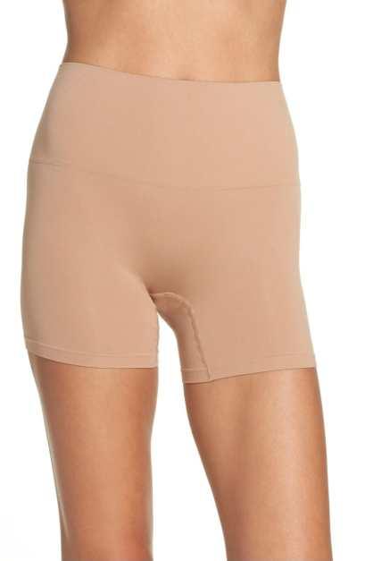 seamless shaping shorts