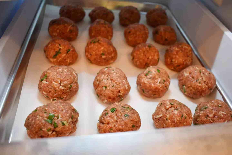 freeze-meatballs-to-keep-form