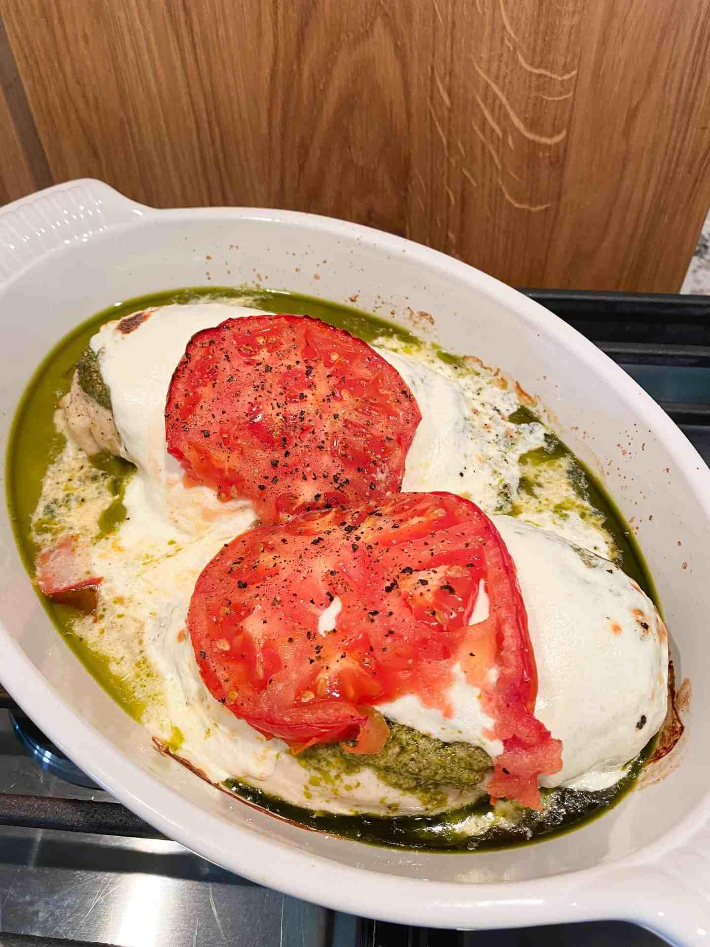 baked-caprese-chicken