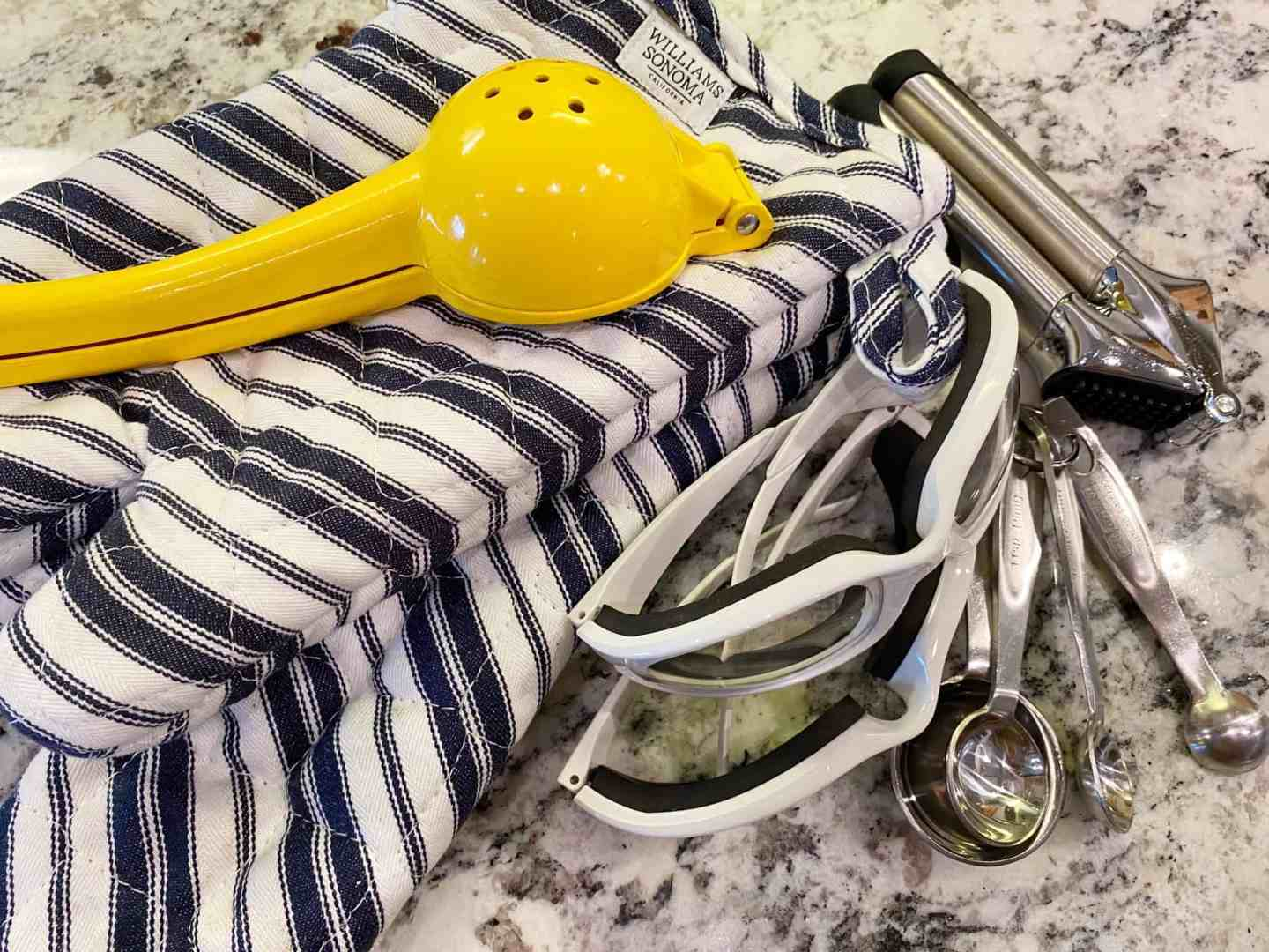 citrus-press-oven-mitts-onion-goggles-garlic-press-measuring-spoons